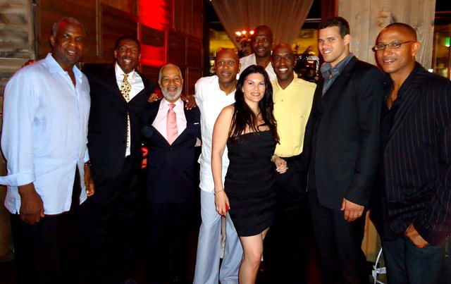 Charles Oakley, Vinny Harris, Charles  Grantham, Darrell Walker, Patrick Ewing, MJ Pedone, Trent Tucker, Kris Humphries, Andy Thompson